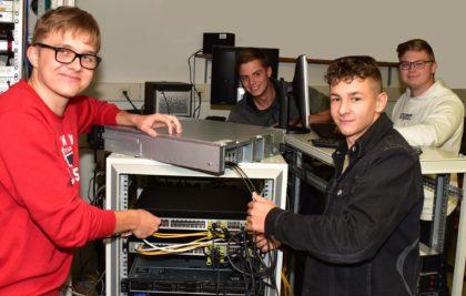 Der Betrieb von Serverinfrastruktur ist ein wichtiger Unterrichtsinhalt.